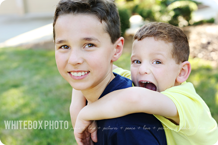 the rossi family portrait session in greensboro by whitebox photo.