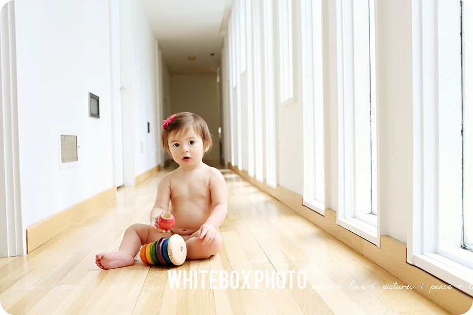 georgia's turning 1 photo session at home by whitebox photo 2017.